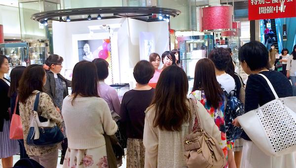 FPSS卒業生が新宿タカシマヤでカラー診断会を行いました