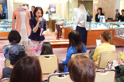 日本橋三越で母の日トークショーを開催しました
