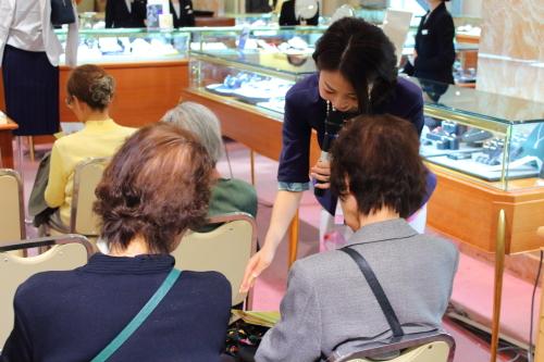 日本橋三越・銀座三越でカラー診断イベント&母の日トークショーを開催しました
